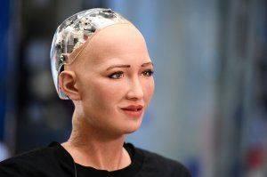 Обещавший уничтожить людей робот София сломалась после вопроса о коррупции на Украине