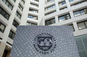 Порошенко рассказал, на что готова Украина ради нового транша МВФ