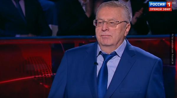 Собчак облила Жириновского водой в ответ на нецензурную брань