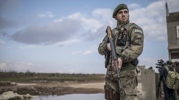 Де Мистура призвал учитывать опыт Ирака при подписании конституции Сирии