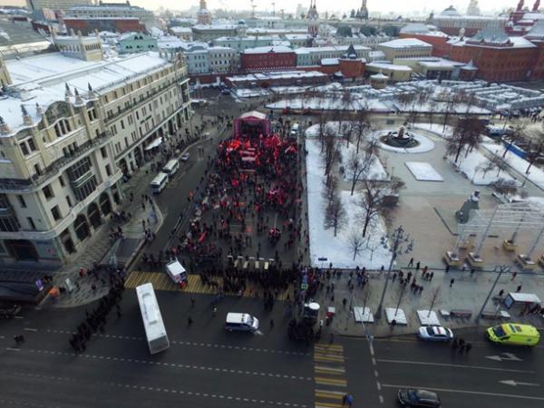 Фееричный провал Грудинина в Москве: полтора красных землекопа и журналисты