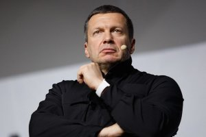 Соловьев выгнал из студии американского эксперта, оскорбившего память летчика Су-25