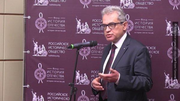 Марчиняк: Польша не планирует полностью отказываться от газа из России