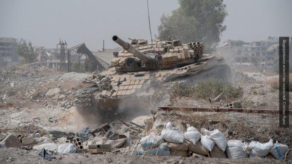Боевики раздают листовки жителям Восточной Гуты, агитирующие против правительственной операции