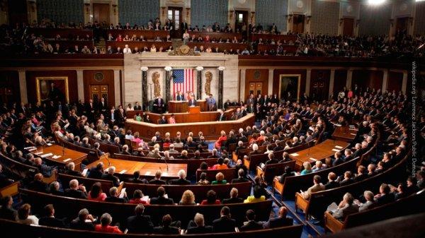 Глава нацразведки США анонсировал введение новых антироссийских санкций