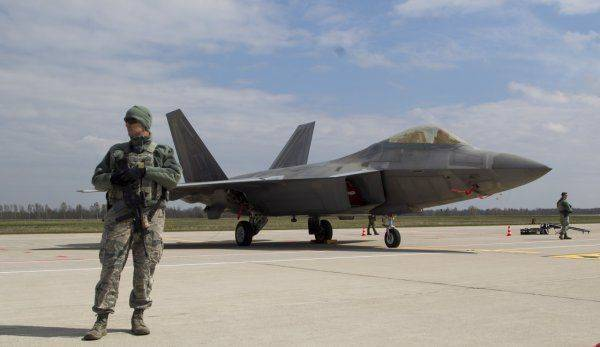 Американцы вновь позади: Русский самолет СУ-57 в Сирии превзошел F-22 по всем параметрам