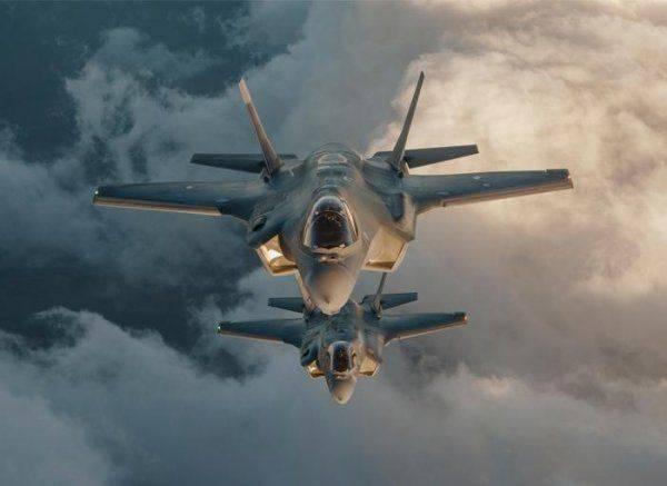 На Западе смоделировали бой между американским самолётом F-35 и российскими ПВО