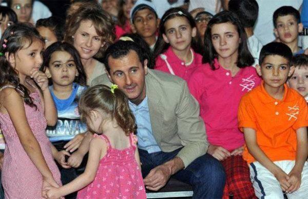"""""""Мы не боимся"""". Жители Дамаска после бомбёжки НАТО вышли на митинг в поддержку армии и президента Башара Асада"""