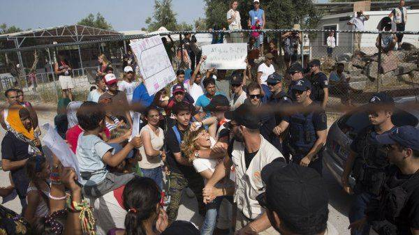 Эрдоган открыл Европе ворота в ад: Грядёт новый миграционный кризис