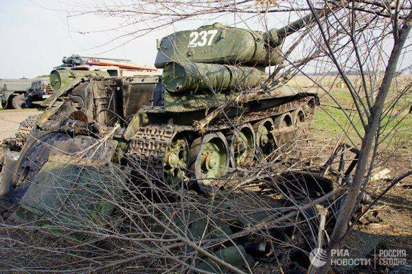 """""""Кто скажет """"Назад в Украину"""" — прокляну!"""" Чем живет воюющий Луганск"""