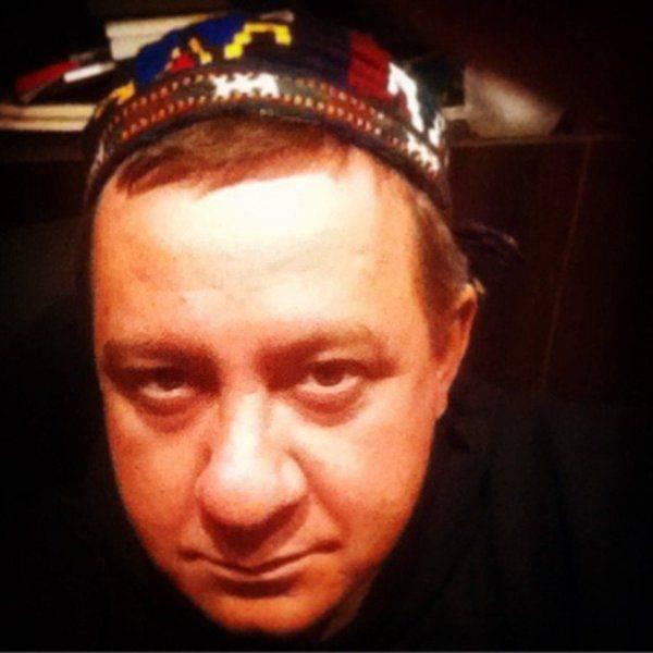 """Муждабаев  жаждет """"вешать всех русских на фонарных столбах"""" и """"резать живьём на части"""""""