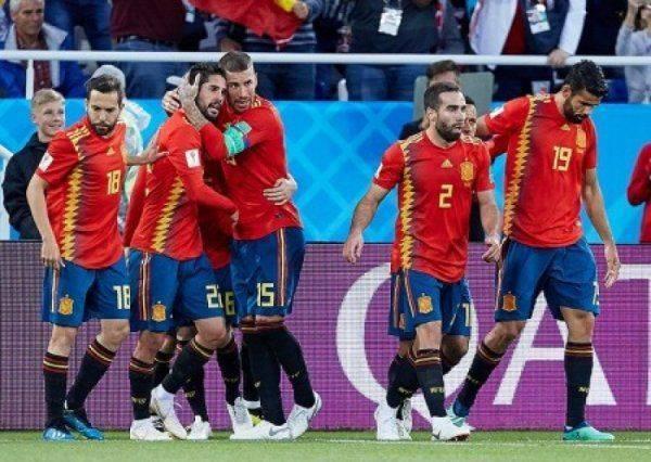 «Утром Климкин сообщит, что Испания присоединилась к бойкоту». Украинские болельщики поддержали Россию