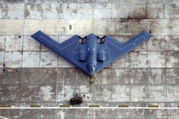 Невидимке B-2 приготовили смертоносную бомбу