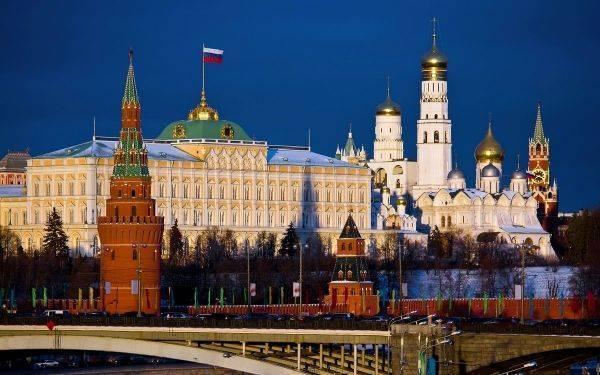 Россия способна выдержать любые новые санкции США, заявили в Moody's