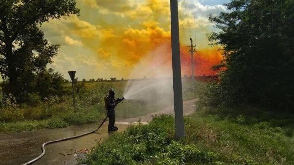 В Днепропетровской области произошла утечка азотной кислоты из автоцистерны