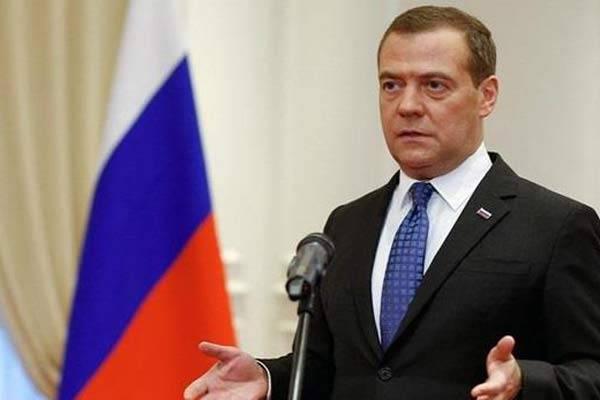 Правильно Добкин прокомментировал медведевский твит: деб***, бл***