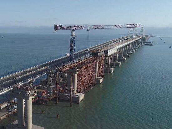 Крымский мост защитили от морского тарана
