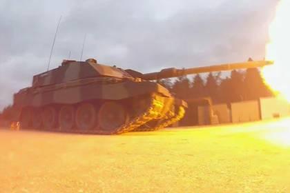 Немецкая танковая пушка навылет пробила Т-72