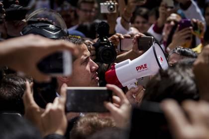 В Европе отказались признавать Гуайдо президентом Венесуэлы