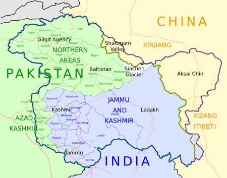 Между Индией и Пакистаном новое обострение: участники конфликта перебрасывают танки к границе