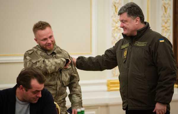 Двойная игра Авакова. Украинские нацисты проверяют, есть ли у Пороха пороховницы?
