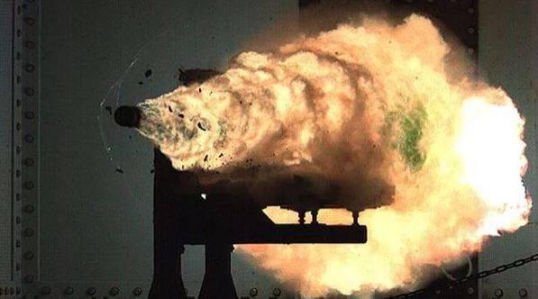 США останутся позади: Россия построит скорострельную электромагнитную пушку