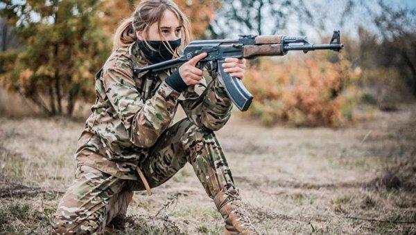 «Мы убьем всех русских!» ИноСМИ о детских лагерях на Украине, где растят юных неонацистов