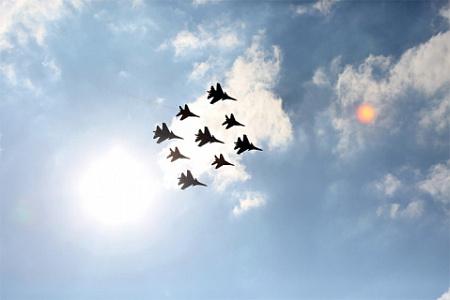Россия экономит на обороне, но остается «агрессором»