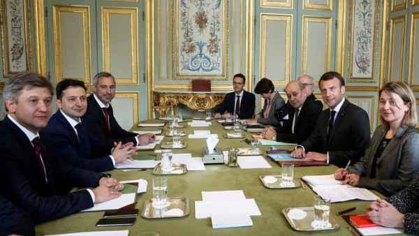 «Разгадать загадку Зеленского» — Le Monde о встрече Макрона с украинскими кандидатами в президенты