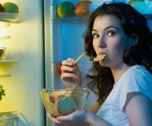 На ночь глядя: шесть продуктов, которые можно есть перед сном