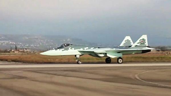 СМИ: Су-57 не готовы к реальным боям, а появление их в Сирии было показухой