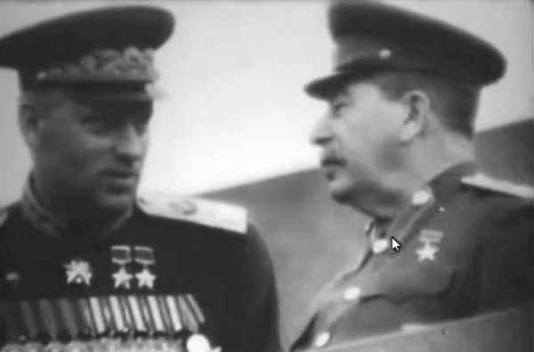 «Вы маршал и я маршал. Вы меня наказать не сможете!»: что сказал Рокоссовский Сталину