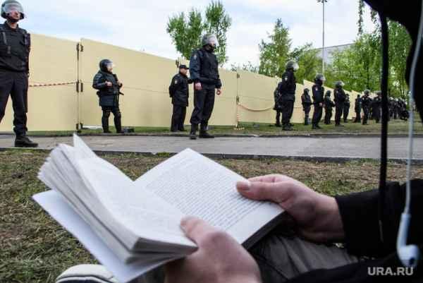 А вот это уже интересно: В Екатеринбурге идут обыски у участников акции в защиту сквера