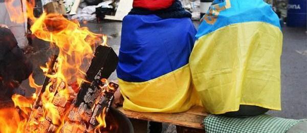 Майданщик сокрушается: Специалисты бегут, скоро некому будет разжечь костер