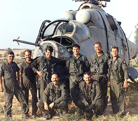 """Чем Ми-24 впечатлил американцев во время испытаний? Испытатель Стейтон: """"У меня задрожали колени, когда я увидел его в ангаре"""""""