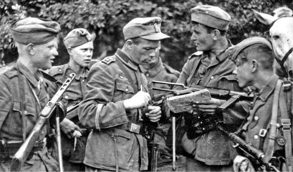«Иудины рубли»: сколько платили «стукачам», сдававшим советских партизан