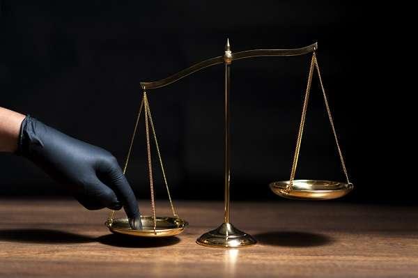 «Заднепроходные» суды России