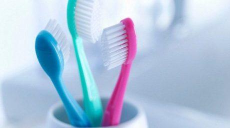 Щетка, чистящая зубы за 10 секунд: на выставке в Лас-Вегасе представили технологическую новинку
