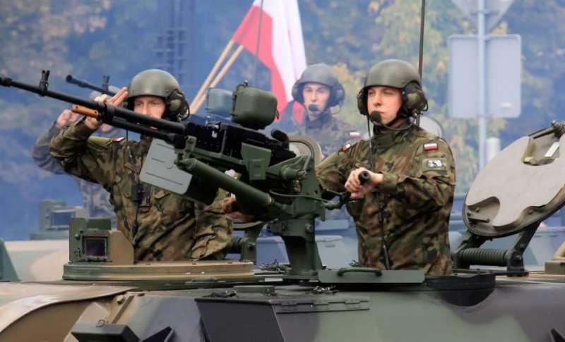 Коронавирус сорвал военные планы Польши