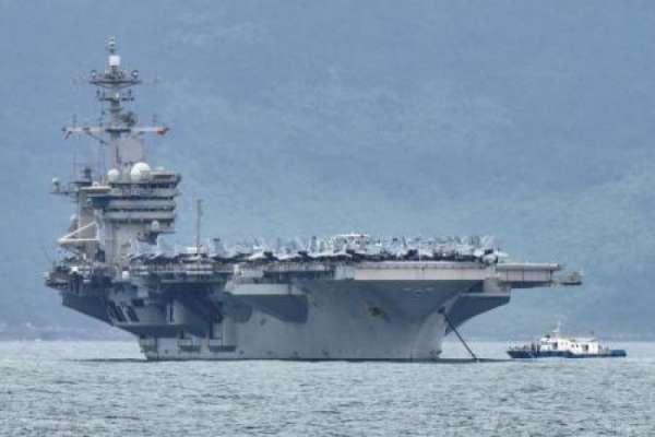 Американский авианосец «Теодор Рузвельт» посылает SOS: вспышка COVID-19 среди моряков