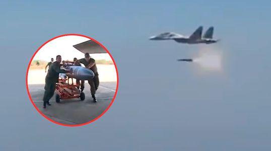 Истребители Су-30 ВВС Венесуэлы выпустили противокорабельные ракеты в сторону эсминцев ВМС США