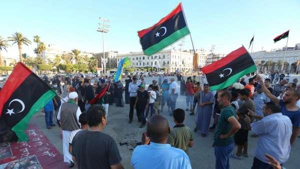 Ливию захлестнула волна митингов против ПНС