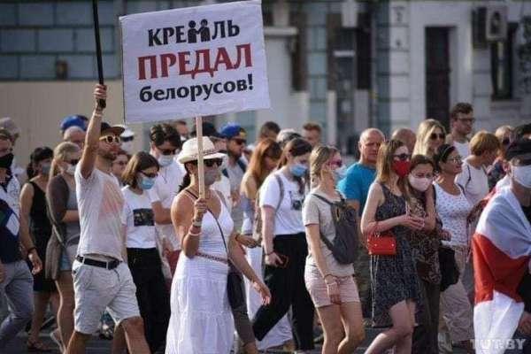 Минские майданщики перешли к угрозам Путину