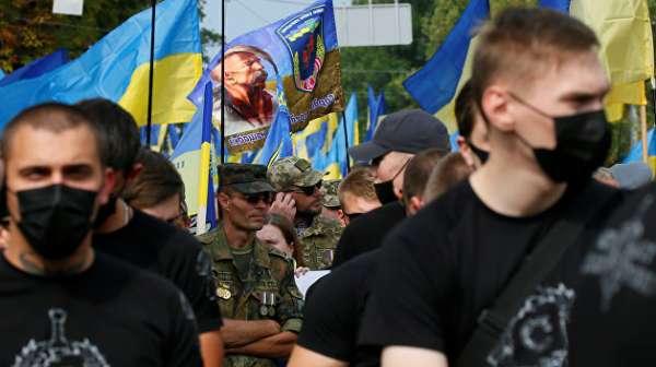 Вперёд в прошлое. Гибридная диктатура Украины