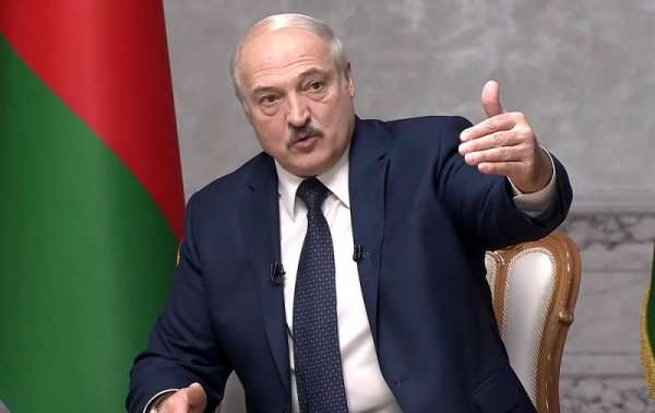 Лукашенко согласился на досрочные президентские выборы