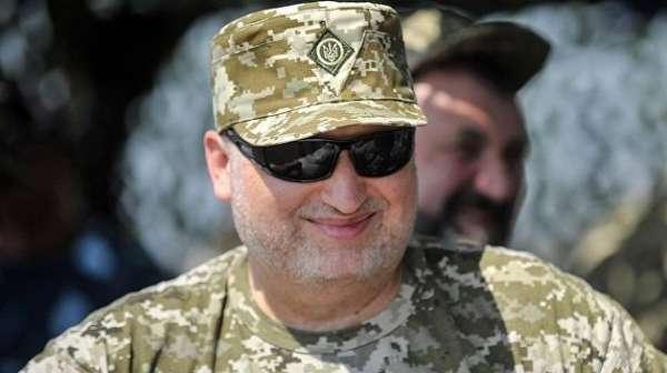 Турчинов призвал убивать представителей ЛДНР, если они прибудут на украинскую территорию
