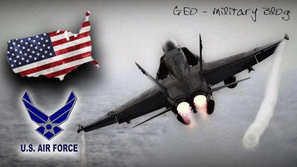 F/A-18 Super Hornets / Полет глазами пилота / Погоня за крылатой ракетой / Military GEO #1
