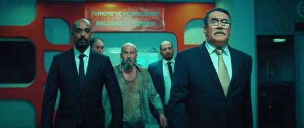 Новый постер с Шугалеем – реклама третьего фильма или социолог и правда на пути домой?