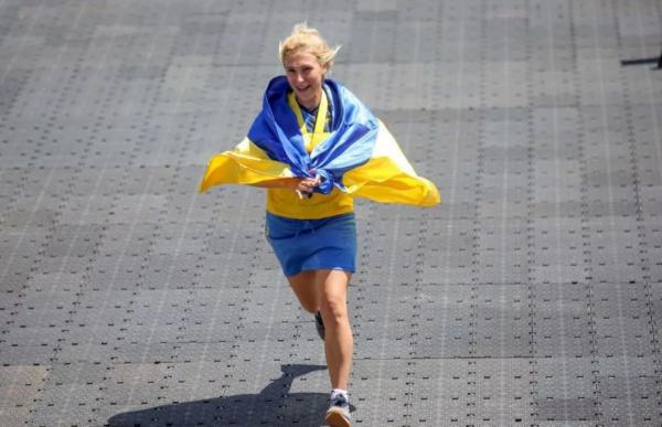 Проживавшая в Крыму украинка взорвала телевизор своей правдой о регионе