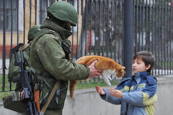 Спецназ Путина: «Вежливости» бойцов ГРУ научили наставники из ФСБ